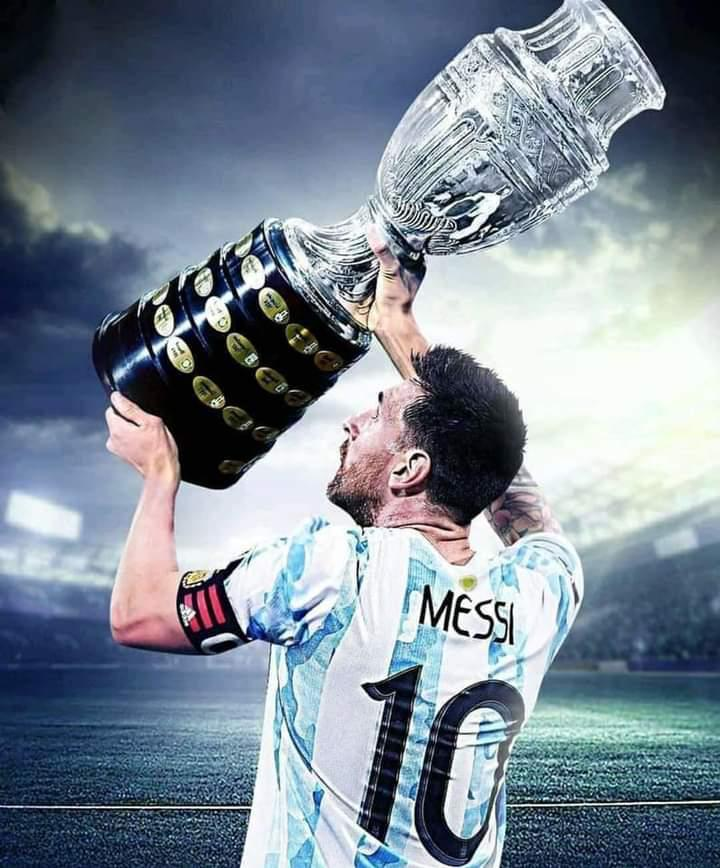 Messi with the Copa America trophy